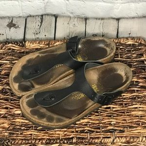 Birkenstock Gizeh black leather sandal